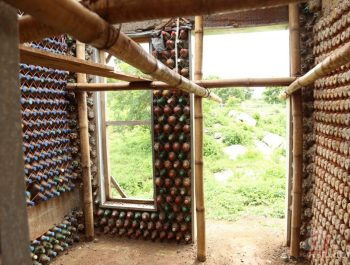 Pet Şişelerden Yapılmış Çevre Dostu Ev